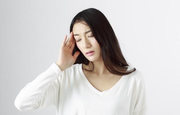 のぼせ、頭痛の症状が現れます
